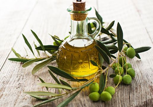 Photo of Olive Oil for Hair Growth-Benefits, How to Use, Before and  after Results